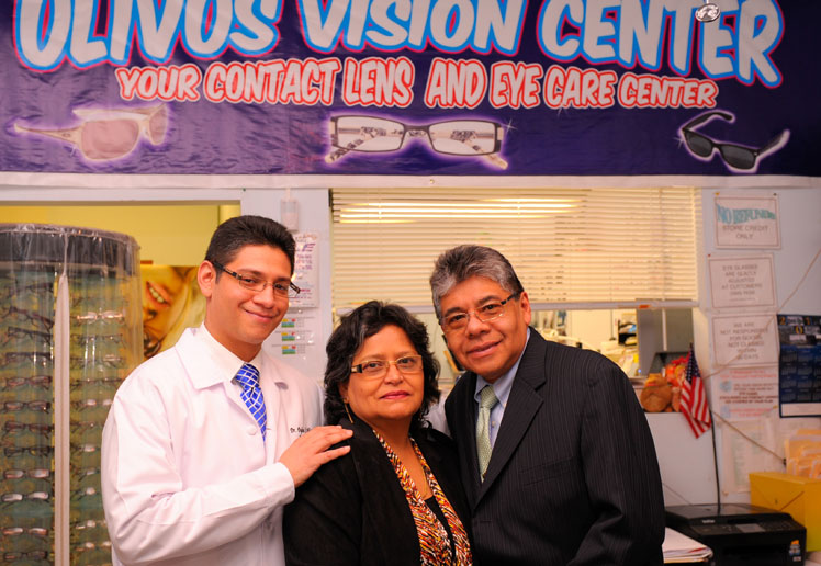 Olivos Vision Center Optician optometrist Queens, NY Eye Glasses Contact Lens